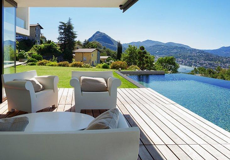 El mosaico eco-friendly Hisbalit, el revestimiento de las piscinas sostenibles