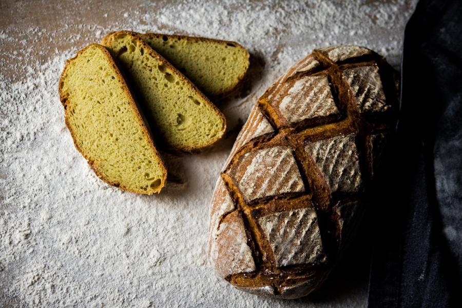 Pan de maíz y cúrcuma... ¿el mejor para consumir en verano?