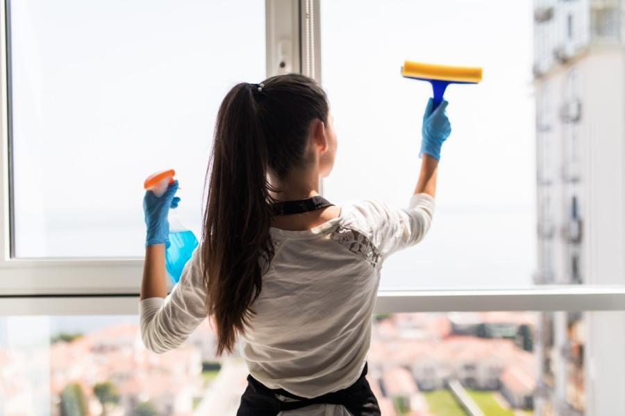 Cómo limpiar las ventanas sin dejar rastro