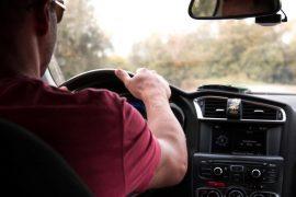Consejos de doppo by Zurich para mantener una buena postura mientras conduces