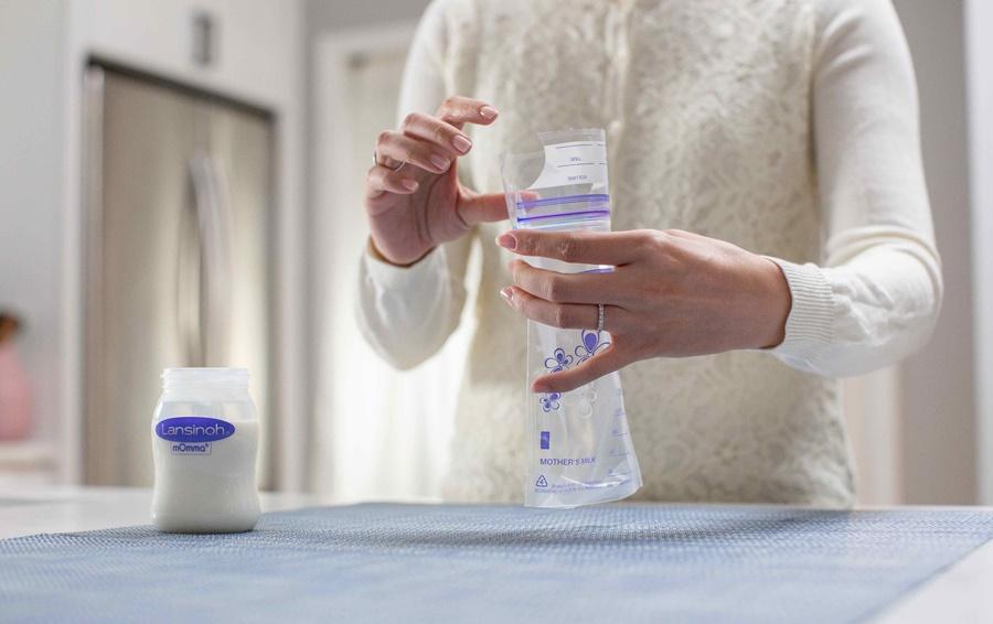 Cómo congelar, descongelar y almacenar la leche materna extraída