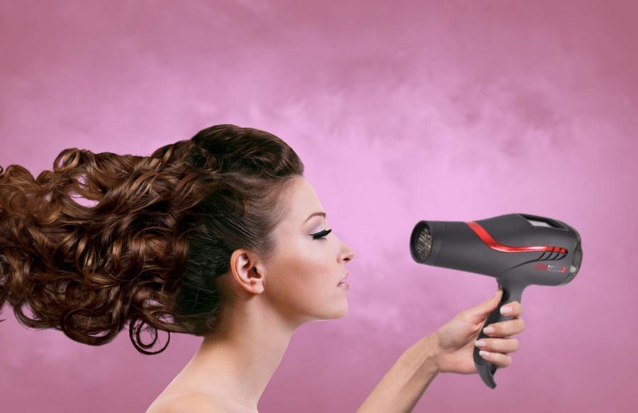 ¿Cómo rizarse el pelo con un secador? Según secador.top