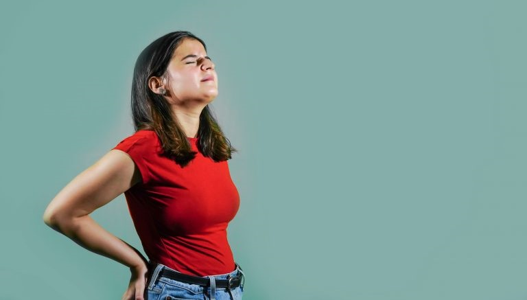 El mejor tratamiento para el dolor de espalda: ¿analgésicos orales, tópicos o parches de calor?