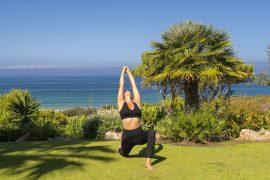5 posturas de Yoga para aliviar las piernas hinchadas