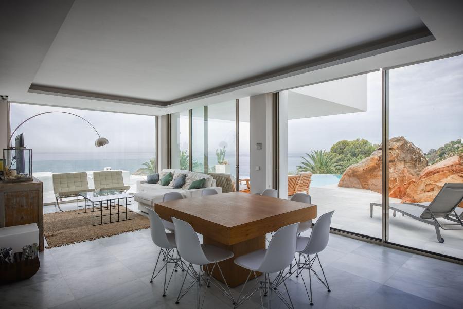 Habitaciones al aire libre, la extensión más lógica del hogar (sobre todo, ahora, en verano)