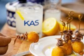 Buñuelo de anchoa y membrillo, la receta de Gipsy Chef perfecta para combinar con KAS