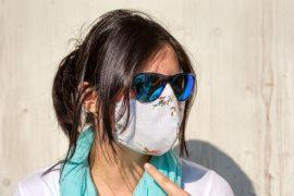 Trucos de expertos para evitar el vaho en las gafas de sol a causa de la mascarilla