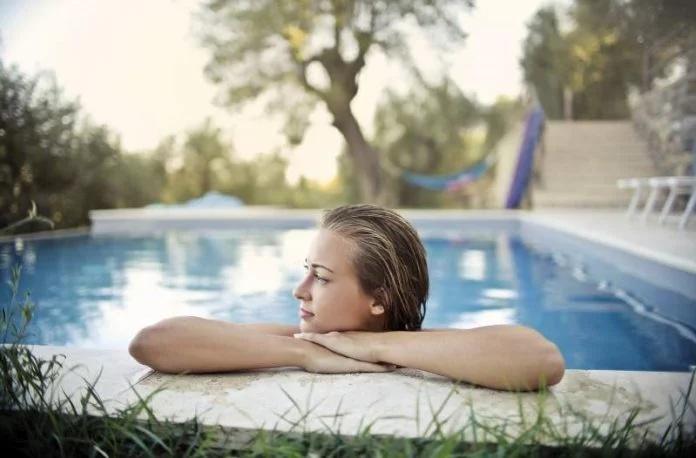 Cómo poner a punto tu suelo pélvico en la piscina