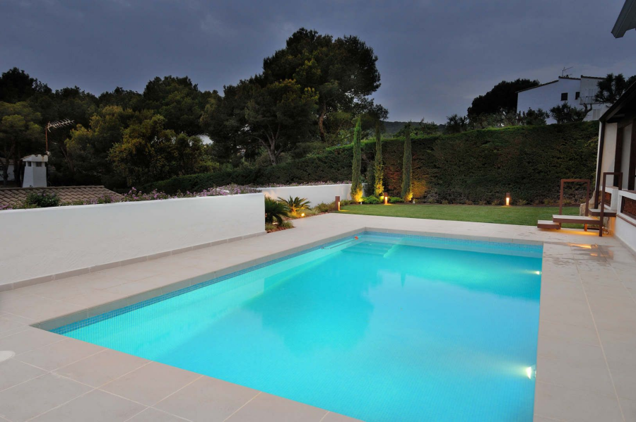 Cómo convertir la piscina en la protagonista de tu jardín
